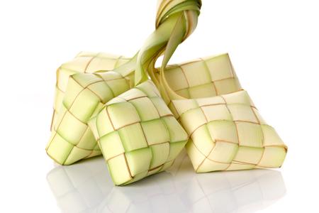 Ketupat(粽子)在白色的背景