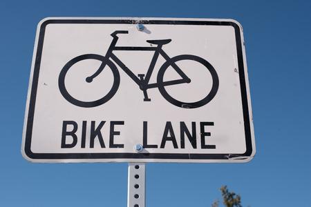自転車レーンの記号 写真素材
