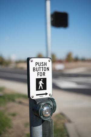 プッシュ ボタン コントロールを歩く