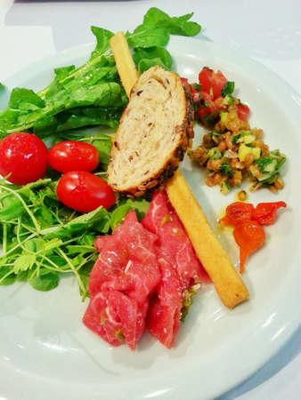 appetiser: A plate of salad appetiser.