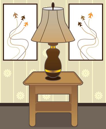 Lamp rust op bijzettafeltje met schilderijen in de achtergrond