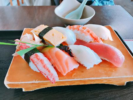 Dish of variety sushi set. 免版税图像