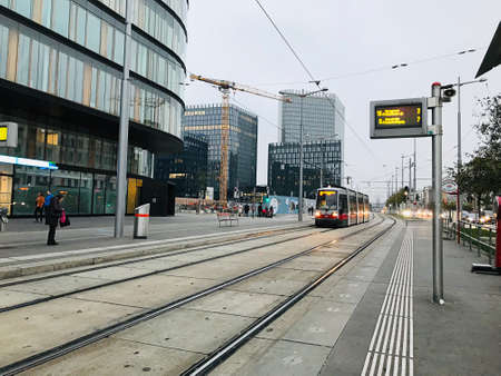 Vienna, Austria - November 11, 2018: The trams on the network run on standard gauge track. Since 1897, they have been powered by electricity, at 600 V DC. The operator of the network is Wiener Linien. 新闻类图片