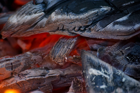 smolder: Smoldering coal