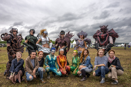 wild mint: RUSSIA. TULA REGION. BUNIREVO - June 27, 2015. Parade of Robots on the stage of the music festival Wild Mint. General photo of Irina Lukyanova with students and models after the masterclass.