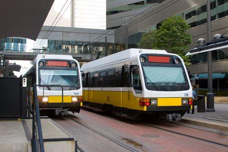 Ferrovia leggera treno nel centro di Dallas.  Archivio Fotografico - 2639715