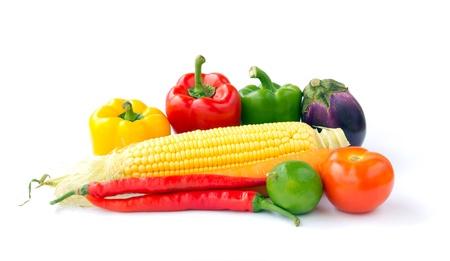 planta de maiz: Verduras frescas mezcladas aisladas sobre fondo blanco Foto de archivo