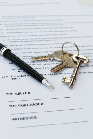 resale: Real estate contract with pen and keys Stock Photo