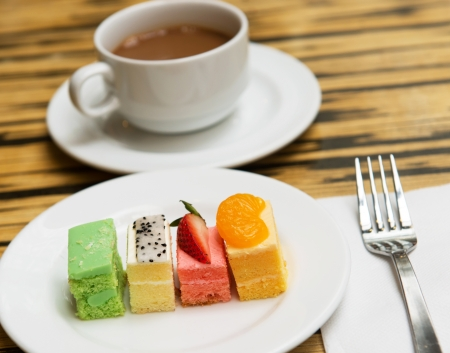 pitahaya: Assorted types of fruit cakes served in the plate