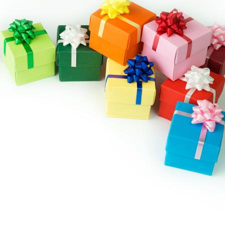 multi colour: Multi cajas de regalo de colores aislados sobre fondo blanco Foto de archivo