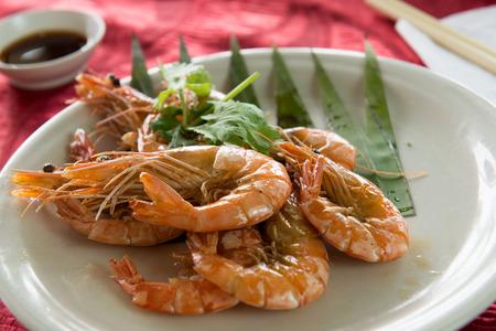 gamba: estilo salteado de gambas o camarones mantequilla china