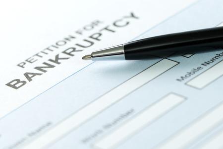 Close-up van de faillissementsaanvraag vorm en pen