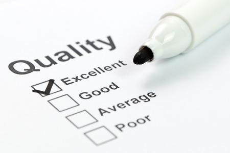 control de calidad: Primer plano de la forma de control de calidad y el marcador Foto de archivo