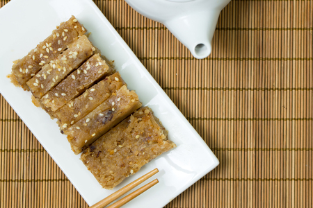 Traditional Chinese dessert made from peanut, sesame, flour, lard and fried shallot Archivio Fotografico - 95281909