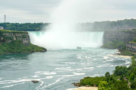 Lanscape view of Horseshoe Niagara Falls from the Ontario, Canadian side Stok Fotoğraf