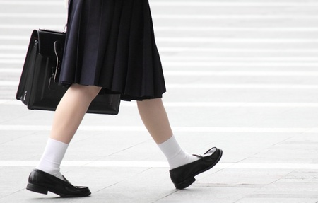 I took photographs of the high school girl was walking in the city
