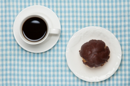 creampuff: hocolate cream puff and coffee