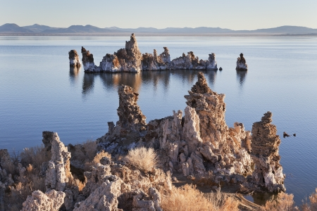 rock formations: Tufa rock formations at Mono Lake, California, USA