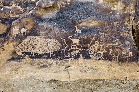 Native American Rock Art Petroglyphs � Big Buffalo Site at Nine Mile Canyon, UT