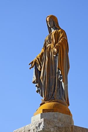 jungfrau maria: Statue der Jungfrau Maria