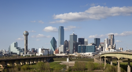 晴れた日に、テキサス州、アメリカ合衆国でスカイライン ダラスのパノラマ ビュー 写真素材