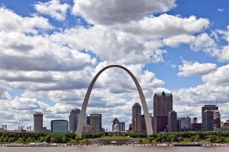 st  louis arch: City of St  Louis Skyline, Missouri, USA