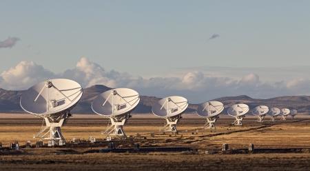 ニュー メキシコ州、アメリカ合衆国で夕暮れ時の超大規模配列衛星放送の料理