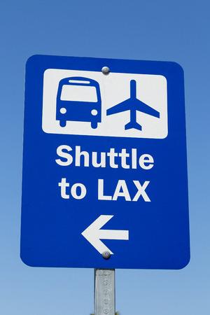 LAX シャトル サイン