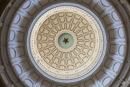 Austin、テキサス州のテキサス州会議事堂のロタンダの天井 報道画像