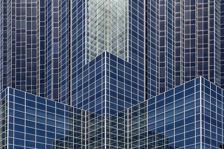 現代の建築とウィンドウの構造