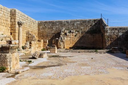 Mosaic, römische Ruinen in der Stadt Jerash Standard-Bild - 34921862