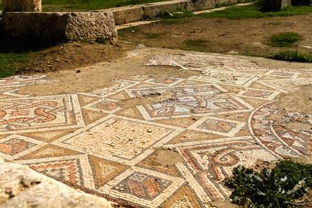 Mosaic, römische Ruinen in der Stadt Jerash Standard-Bild - 34921863