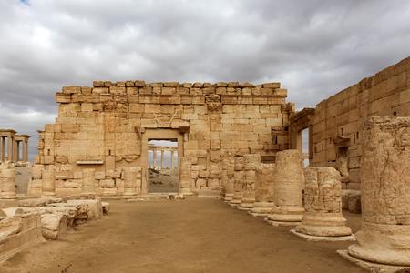 mesopotamian: Arch, Palmyra historic site Stock Photo