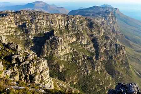 Blick von oben auf den Tafelberg Standard-Bild - 56521337