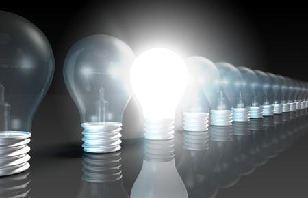 innovativ: Helle Idea-Konzept, der neue kreative Ideen