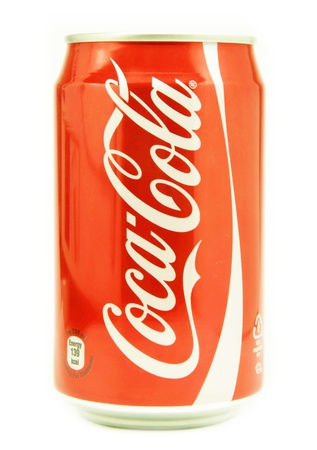 Coca Cola Cola trinken kann, isoliert auf weiss