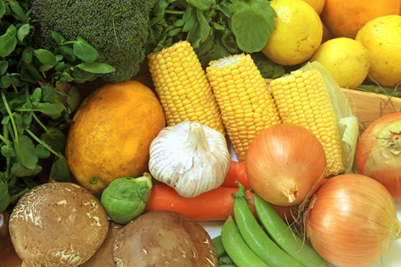 aliments: Fruits et légumes et d'autres denrées alimentaires Banque d'images