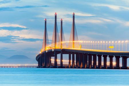 2. Penang most nebo známý jako Sultan Abdul Halim Muadzam Shah most pohled během svítání Reklamní fotografie