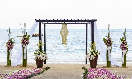 ビーチで結婚式。