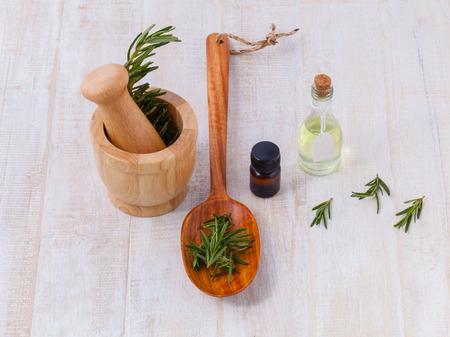 Natural Spa Ingrediënten salie essentiële olie voor aromatherapie.
