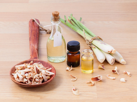 Natural Spa Ingredients . - Lemongrass essential Oil for alternative therapy. Фото со стока - 40106664