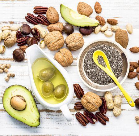 Auswahl Nahrungsquellen von Omega 3 und ungesättigten Fetten. Standard-Bild