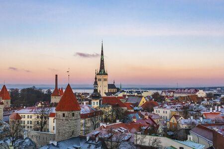 Old town of Tallinn in winter time, Tallinn, Estonia 写真素材 - 135547365