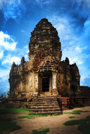 sam: Temple Prang Sam Yot
