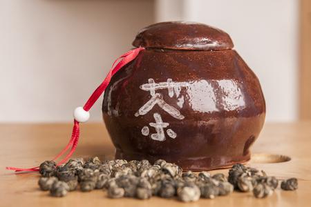 Ceramic tea dose
