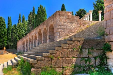 Ruines de Asclepeion - ancien h�pital cr�� par Hippocrate (Kos, Gr�ce)