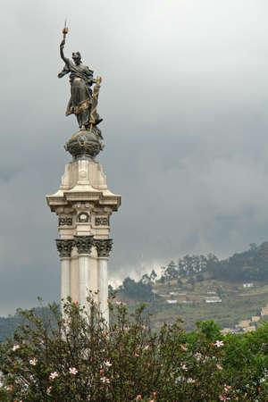 Estatua Libertad, Plaza de la Independencia, Quito, Ecuador Foto de archivo - 662089