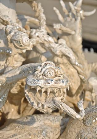 Effrayant la sculpture au Temple Rong Khun, Chiang Rai, Tha�lande