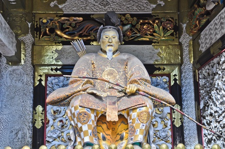 Gardian devant la porte de sanctuaire � Nikko, Japon �ditoriale