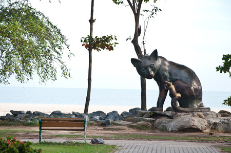 folk tales: The statue of cat and rat on the beach at Songkhla, Thailand